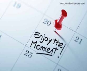 1539161079Enjoy-The-Moment