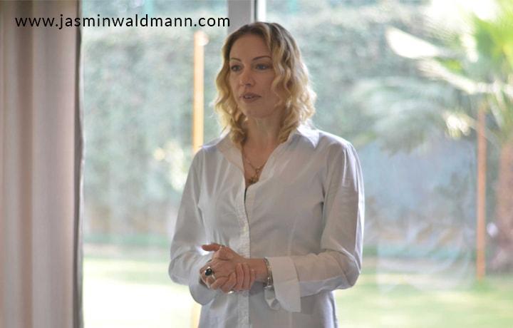 1539175432Transform-Your-Life-Turn-to-Jasmin-Waldmann-International-life-coach